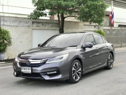2017 Honda ACCORD 2.0 Hybrid TECH i-VTEC รถเก๋ง 4 ประตู รถบ้านมือเดียว