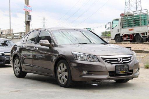 2010 Honda ACCORD 2.0 EL i-VTEC รถเก๋ง 4 ประตู ดาวน์ 0%